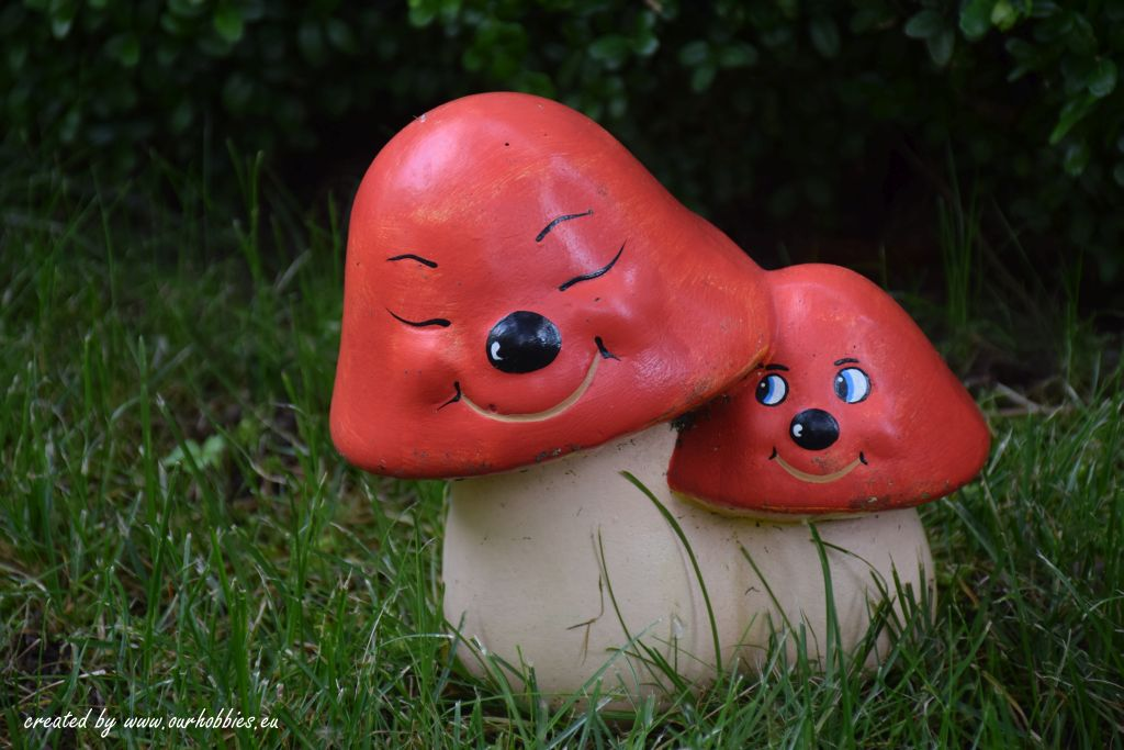garden decoration mushrooms