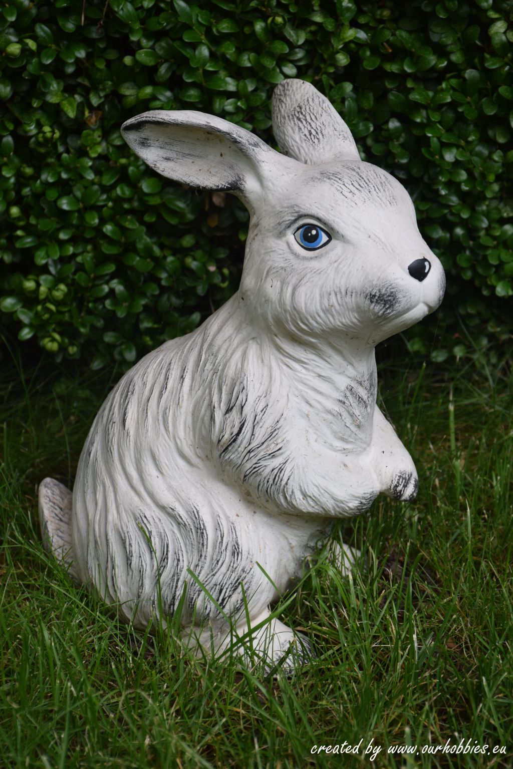 garden decoration rabbit